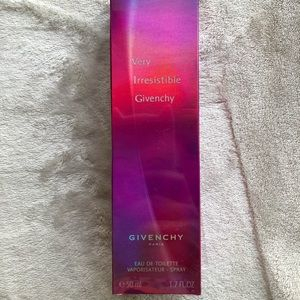 🆕 Very Irresistible Givenchy 50ml